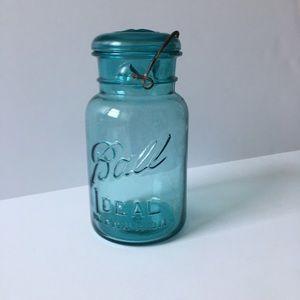 VINTAGE BALL IDEAL BLUE QUART CANNING JAR